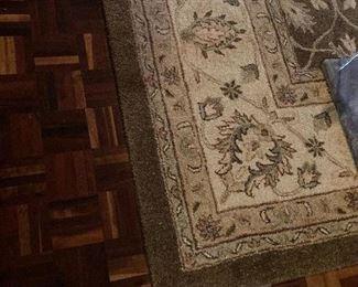 """Area rug (9'6"""" x 13' 6"""")"""