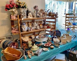 Lladros collector plates, tea set