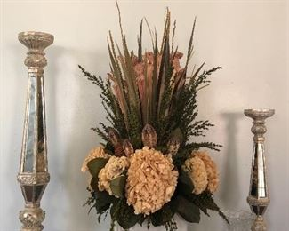 Dried flowers table arrangement