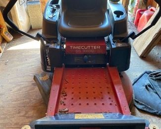 TORO TIME CUTTER SS3200 RIDING LAWN MOWER  (with some attachments),