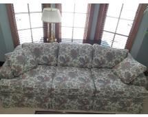 """Ethan Allen Floral Sofa with Pillows Great condition sofa with 2 throw pillows 29""""Tx87""""W36""""D"""