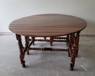 Antiqued Repro Wooden Oval Planked Gateleg Table