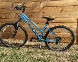 Trek 820 21-Speed Women's Mountain Bike