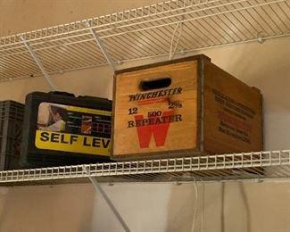 Winchester wooden box, Self Level