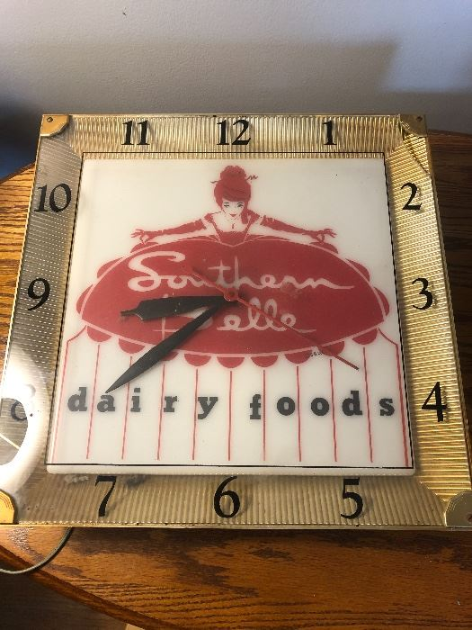 Southern Belle dairy clock
