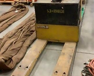 Located in: Carson City, NV MFG Caterpillar Model NPP40 Power (V-A-W-P) 24V Electric Pallet Jack Hours - 1,163 4' Forks 4,000 lb Max Capacity **Sold as is Where is** Tested Works