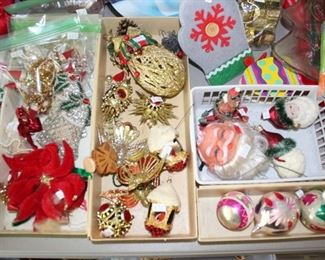 A Handful of Vintage Christmas Items