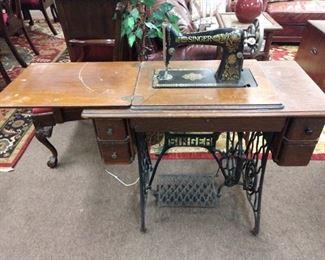 Black Wood Peddle Singer Sewing Machine - Model #G2787727