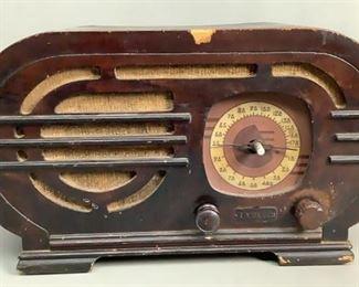 LYRIC BROADCAST SHORTWAVE RADIO