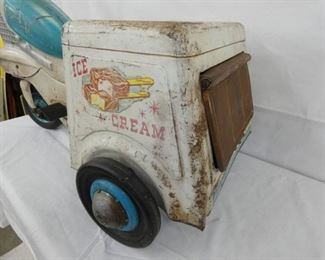 VIEW 3 SIDE VIEW ICE CREAM CART