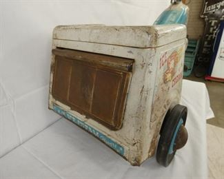 VIEW 7 REAR EARLY MURRAY PEDAL CART