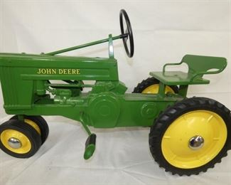 VIEW 3 OTHERSIDE RESTORED JD TRACTOR