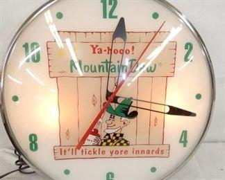 15IN MT. DEW TICKLE INNARDS CLOCK