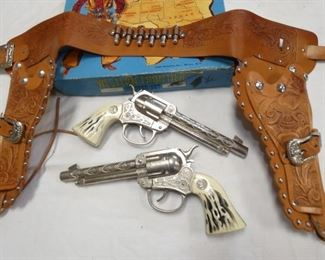 VIEW 2 WESTERN FRONTER HOLSTER SET/BOX