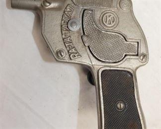 VIEW 3 OTHERSIDE CAST MACHINE GUN