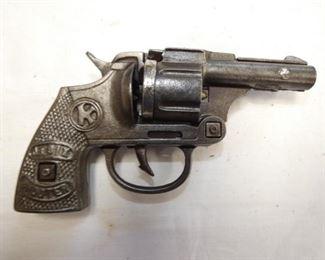 JR SIX SHOOTER PISTOL