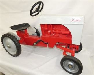 VIEW 3 SIDE 2 FORD 8N PEDAL TRACTOR