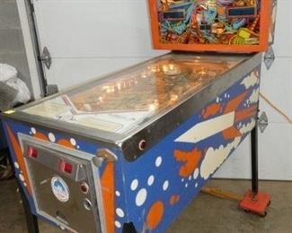 VIEW 6 RIGHTSIDE PIN BALL