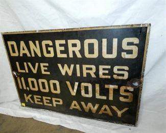 36X24 PORC. DANGEROUS KEEP AWAY SIGN