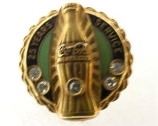 VIEW 3 CLOSE UP COCA COLA PIN