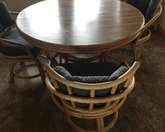 Round table and 3 vintage bamboo chairs