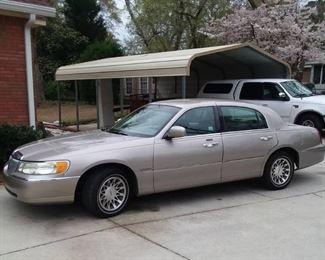2000 Lincoln Signature Series Town Car