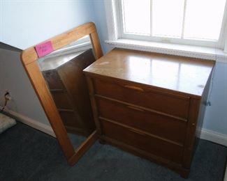 Dresser, mirror