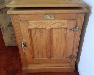 Blonde oak swivel top tv stand