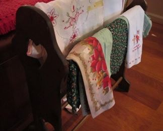 Holiday Linens..Quilt Stand