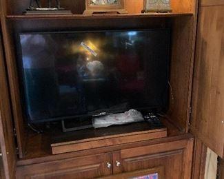 Flat-screen TV, Seth Thomas clock