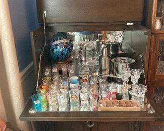 English Arts & Crafts bar