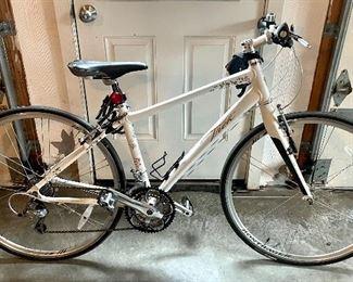 """Item 96:  Trek 150 Zone 17"""" 43CM Bike:"""