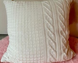 Item 113:  Knitted Decorative Pillow: $24