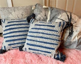 Item 114:  Lot of Assorted Decorative Pillows:  $24
