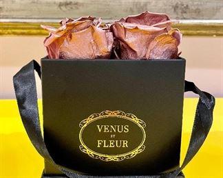 Item 132:  Venus ET Fleur Le Petit Eternity Roses:  $75