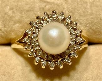 Item 173:  14 Pearl and Diamond Chip Ring:  $195