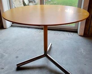 "Item 259:  Bistro Table - 36"" x 28.75"": $195"