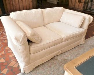 SWEET LOVESEAT