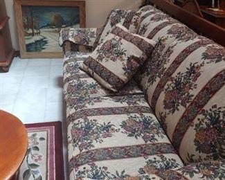 Sofa FREEE! FREEE! FREE!-