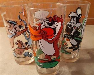 Vintage Looney Tunes Pepsi Tumblers