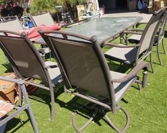 6 SEAT PATIO TABLE WITH UMBRELLA