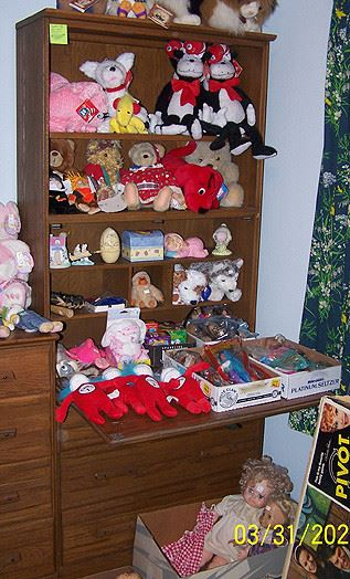 Ranch Oak drop front secretary, Stuffed animals including new Cat in the Hat toys