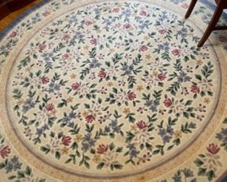 ROUND RUG IN DINING ROOM