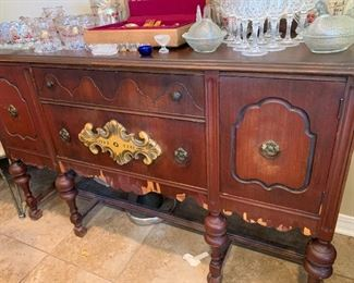 vintage buffet, needs veneer work