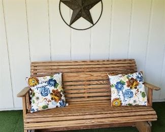 wooden bench excellent condition, looks to have been indoors all the time