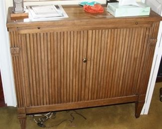 Baker Furniture Console cabinet with hide-away doors - $325