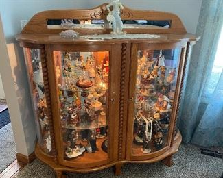 Beautiful display cabinet (filled with treasures)