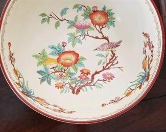 Porcelain pedestal dish