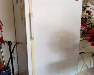 Upright freezer - working condition
