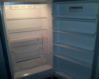 GE freezer upright